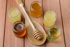 Деревянная ложка для меда