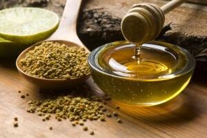 При панкриатите используют мед