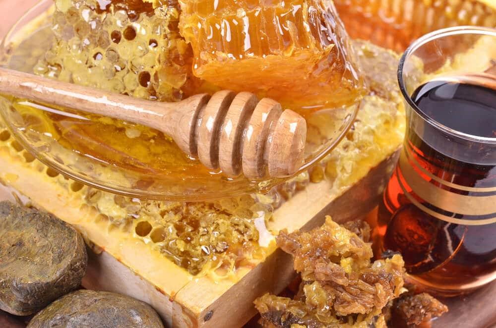 Приготовление меда с прополисом