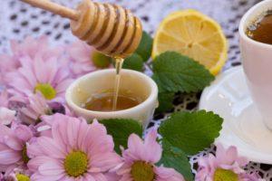 Мед из аккураи полезен