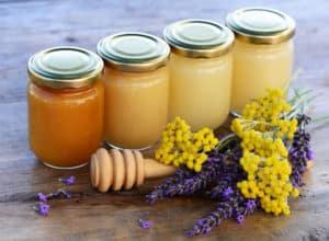Существуют разные сорта белого меда