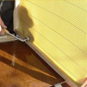 наващивание пчелиных рамок
